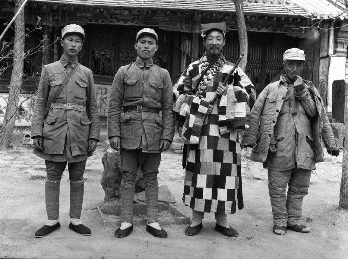 1942年4月初,宋学义,葛振林与李圆忠道长