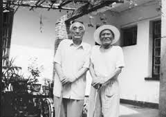 40多年后,余药夫(左)与葛振林重逢